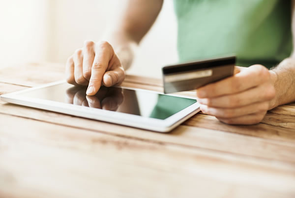 Credit vs Debit Cards – Which is More Secure?